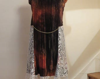Dress with ruffle, velvet and lace