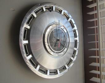 1984-85 Ford Tempo Hubcap Clock No.2344