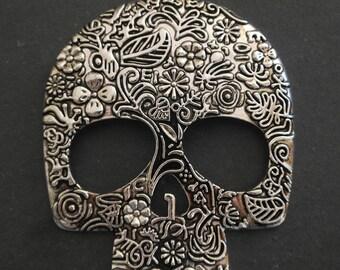 XL 66 x 49 mm antique silver color skull pendant