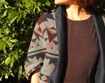 Adjustable scarf / vest / snood /2en1 / geometric