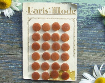 Vintage French Buttons 24 Chestnut Brown Buttons on Original Card, Paris Mode, Pearly Brown Buttons
