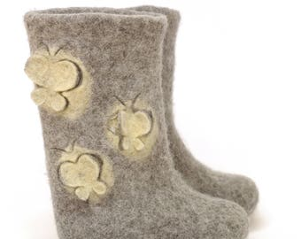 Little princess felted boots