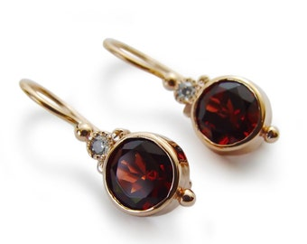 Round gemstone gold earrings, 14K Gold dangle earrings, Garnet Small earrings, Red drop earrings, Vintage  wedding earrings, Red gemstone