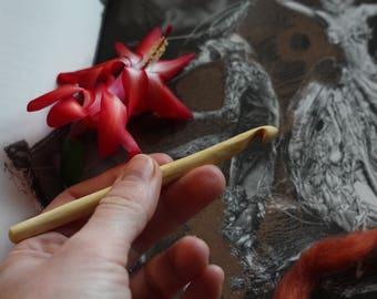 Apple tree crochet hook. Hand carved. Size K or 7 mm