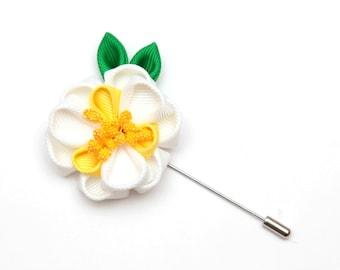 Kanzashi fabric flower brooch / White and yellow / flower lapel pin / Boutonniere lapel pin / Wedding Boutonniere / Men's Flower Lapel Pin
