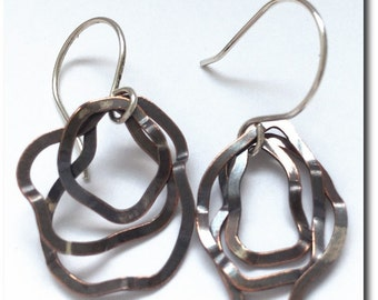 Hamered Copper Wavy Loop Earrings