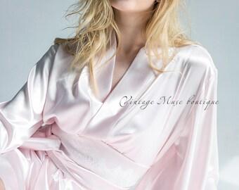 Beautiful satin robe with kimono sleeves 'Model 10'