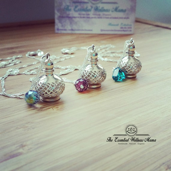 Genie Bottle Necklace: Silver Diffuser Necklace / Aromatherapy / Genie Bottle / 925