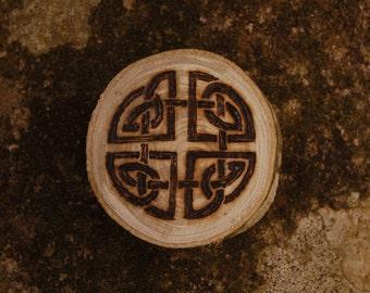 """Celtic Knotwork - Woodburned Wood Medallion - 2"""" Magnet"""