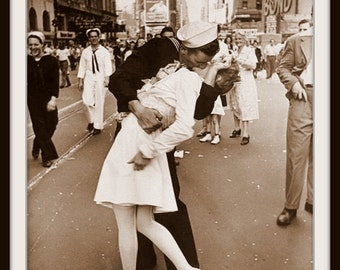 Art Print Victory Kiss 1945 Print