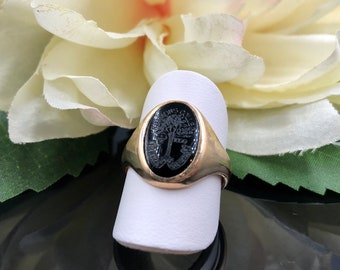 10K Onyx Class Ring, Simmons College Crest Ring, Boston MA, Science Art Industry, Simmons College Seal, Engraved Onyx, Ladies Pinky Ring