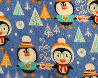 Flannel crib sheet: Christmas Penguins