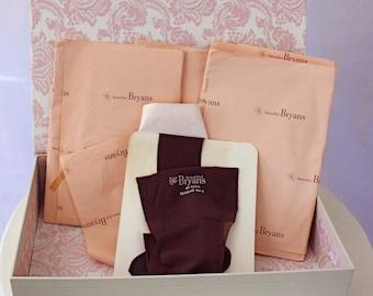 Vintage 60s Ladies Nylon Stockings by Beautiful Bryans  size 8 1/2 9
