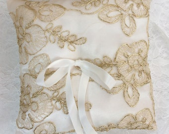 Wedding ring pillow - Wedding ring bearer - Ring pillow bearer - Satin ring pillow - lace ring pillow ivory and gold
