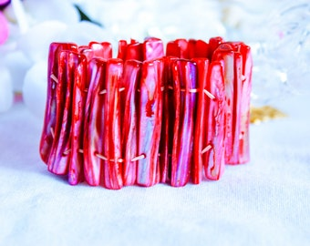 Bracelet, vintage bracelet, 1970s bracelet, coral red bracelet, shell bracelet