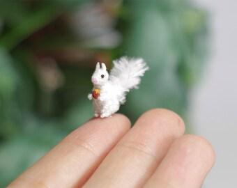 Miniature crochet Squirrel, White Squirrel, amigurumi tiny squirrel