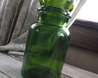 Green Belgium Glass Apothecary Jar, Vintage Green Glass Canister, Green  Glass Kitchen Decor,
