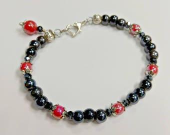 Red and black bracelet, baded bracelet, porcelain bracelet, ceramic bracelet, bracelet with pendant