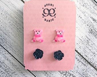 Pink Teddy Bear, Black Rose, Stud, Resin, Cabochon, Retro-Kitsch, Super Kawaii, Flower earring, Floral earring, 2 Pair
