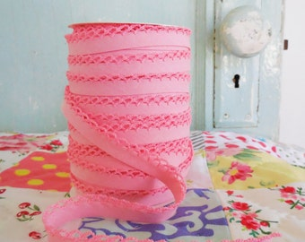 Pink Crochet Edge Double Fold Bias Tape  (No. 31)