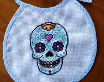 Skull baby bib