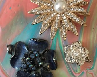 3 flower pendants