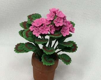 Dollhouse Miniature Pink Geranium Plant (PT)