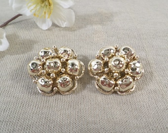 Beautiful Vintage Gold Tone Pair Of Cluster Beaded Clip On Earrings  DL# 4778