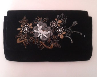Vintage 1940's Japan Art Industries Hand Beaded Black Velvet Clutch Evening Bag Metallic Flowers Glam Art Deco