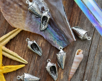 Antique Silver Conch Shell Charms, 11x24mm, 2pcs / Nunn Designs, Shell Pendants, Nautical, Beach Charms, Sea Shell, Jewelry Supplies