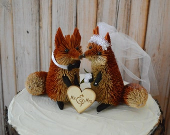 Fall  fox cake topper-fox topper-woodland animal woodland wedding-red fox-winter wedding-bride and groom-Mr and Mrs lover red fox lover