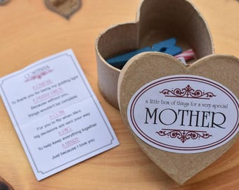 Mother Mum Gift Survival Kits Heart Shaped Box for Mothers Day or Wedding Mother of the Bride Bomboniere