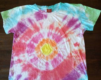 Tie Dyed T-shirt teen size Large in rainbow