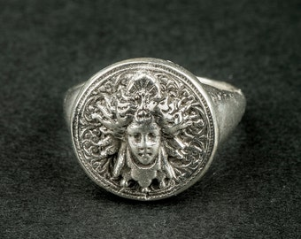 Medusa ring fine silver (Medusa's head / fans / antique)