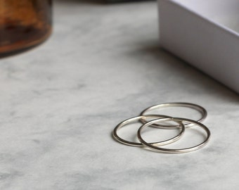 Set of Three Skinny Stacking Rings - Sterling Silver | Hammered rings | Valentine's Gift | 30th birthday gift | Trio rings | mother's day