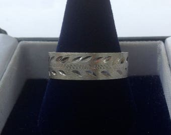 Vintage wedding band sterling silver ring bright cut hand engraved