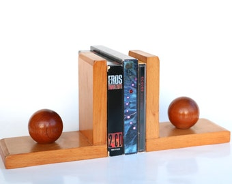 Sphere wooden book ends shaped like a ball mid century modern book rest retro sixties treen woodwork gift for book lover globe