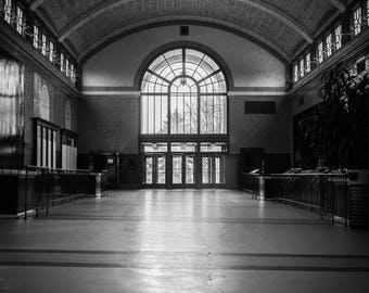 Chicago, Lincoln Park Zoo, Black and White Photography, Big Cat House, Architecture, Fine Art Photography - Lincoln Park Big Cat House