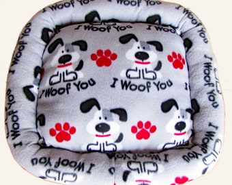 X Small, I Woof You, Dog bed, Washable pet bed, Cat bed, oval pet bed, Puppy bedding, Kitten bed, Kennel bedding, Plush Fleece pet bed