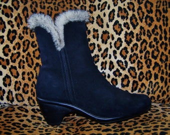 Fur Boots, Black Fur Boots, Leather ankle boot, Leather + Fur boots, size 8