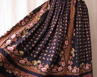 40s Peasant Skirt Black & Pink Cotton Full Circle Skirt Calico Floral Handmade Vintage Dirndl Prairie Skirt Size Small