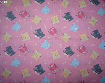 Fabric C908 animals on pink coupon 35x50cm
