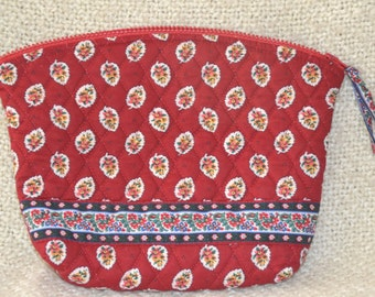 VERA BRADLEY COSMETICS Bag, Red Leaf Pattern, Retired, Rare, Hard to find!  Plastic lined, Mint, never used.