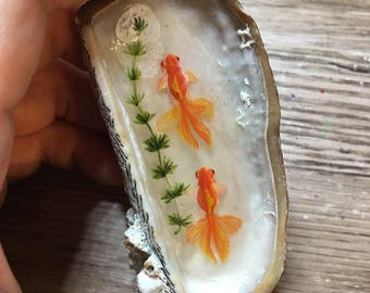 A pond in your palm - miniature 3D painting in a shell