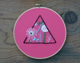 Geometric Floral Embroidery Hoop (7-inch diameter)