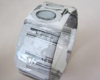 Silver Interiors Bangle Bracelet