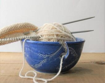 ceramic yarn bowl, garland crochet bowl,  pottery wool bowl, wheelthrown yarn bowl, knitter's bowl, unique yarn bowl