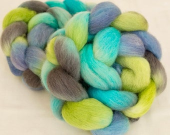Corriedale, Hand dyed roving, felting projects, fiber, Corriedale combed tops, handspinning, wool sliver, hand dyed tops, felting materials
