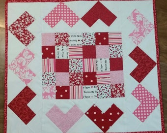 """PATTERN: Quilted Hearts """"Mini"""" Table Runner"""