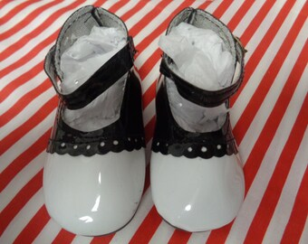 White and Black Patent Leather  Doll Oxfords Shoes -Vintage Shoes- for My Twinn dolls